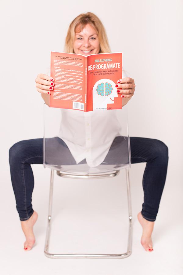 Libro Re-Programate para superar tus creencias limitantes.